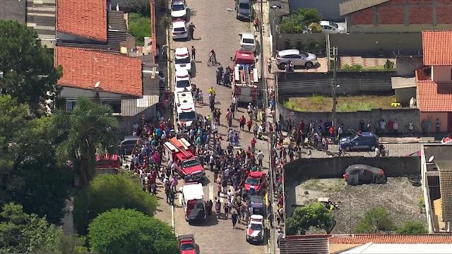 Resultado de imagem para Atiradores invadem escola, matam 10 e tiram própria vida em Suzano.