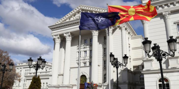 «Οχι» στην κατηγορία της εσχάτης προδοσίας για τους 54 βουλευτές του ΣΥΡΙΖΑ που ψήφισαν τις Πρέσπες