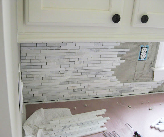installing mosaic tile backsplash kitchen installing a marble backsplash remodelando la casa 7556