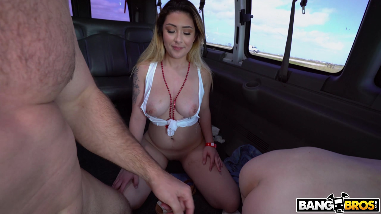 Giving paris white a ramming to remember as her pussy gets slammed