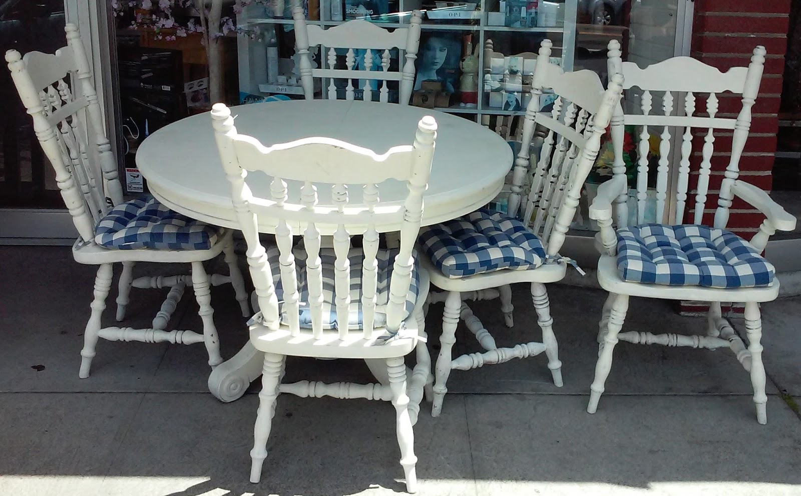 Uhuru furniture collectibles sold shabby chic pedestal dining set table leaf 5 chairs 60 - Shabby chic dining table set ...