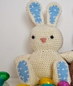 http://media.blacksheepwools.com/media/wysiwyg/free-patterns/spring_bunny_pattern.pdf