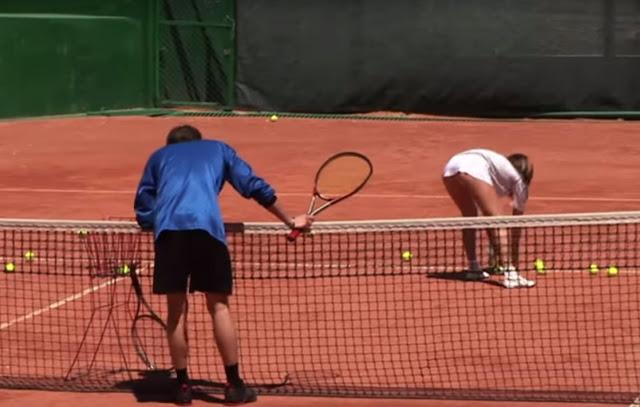 Sexy φάρσα σε γήπεδο tennis