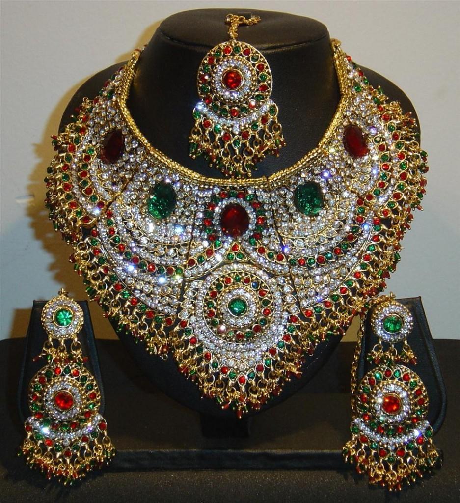Vintage antique 20K Gold Navratan gemstone enamel work ...  |Indian Gold Pendants