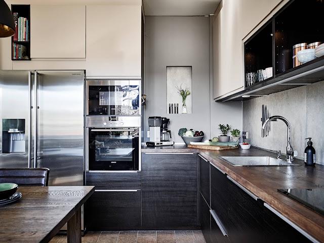 skandynawska kuchnia, czarna kuchnia, czarna kuchnia z drewnianym blatem