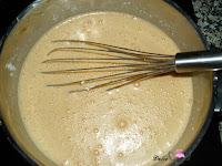 queso y dulce de leche disuelto