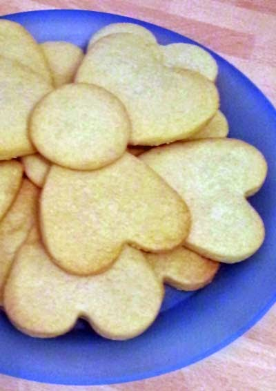 Heart-shaped Lemon Shortbread Cookies