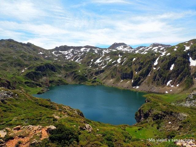 Lago de Calabazosa o Lago negro, Lagos de Saliencia, Parque Natural de Somiedo, Asturias