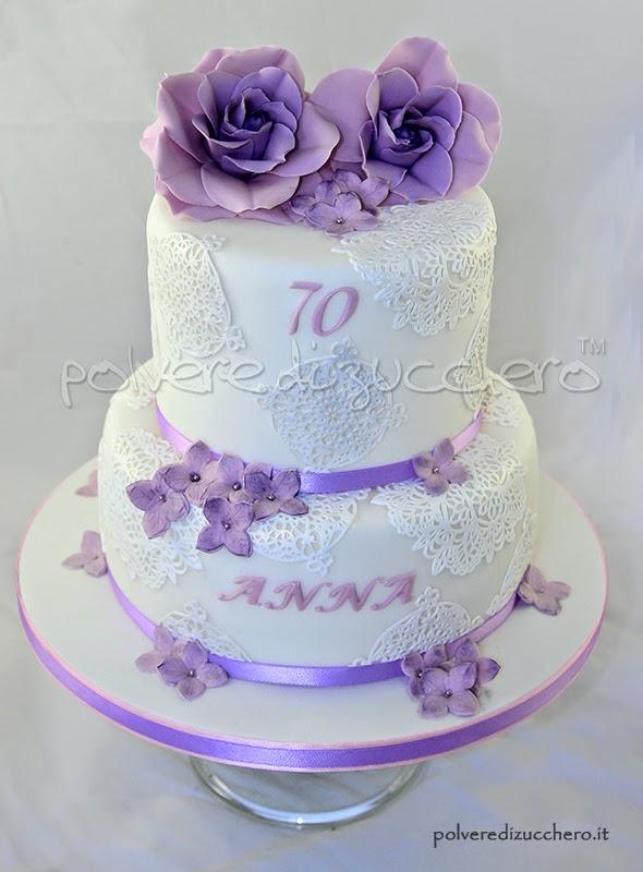Torta a due piani co rose lilla e ortensie lilla per una for Piani di stile di missione