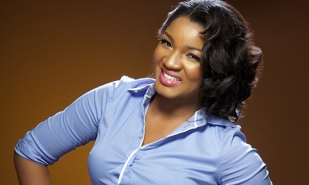 Wow! See a Rare Photo of Nollywood Actress Omotola in the Kitchen Pounding Yam for Her Edo Husband