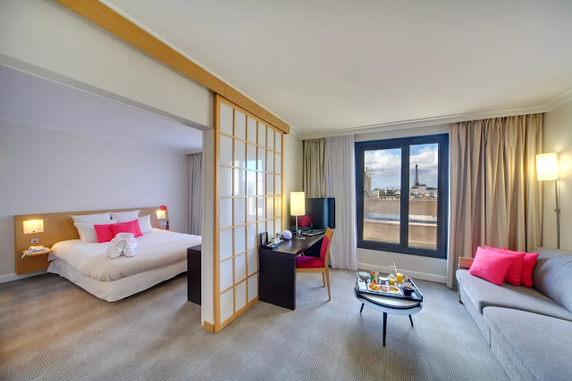 With a stay at Novotel Paris Vaugirard Montparnasse in Paris (Gare Montparnasse - Porte de Versailles), you'll be convenient to Pasteur Museum and Eiffel Tower. This 4-star hotel is close to Notre Dame Cathedral and Arc de Triomphe.