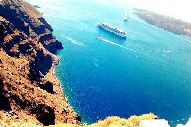 Santorini luka i more