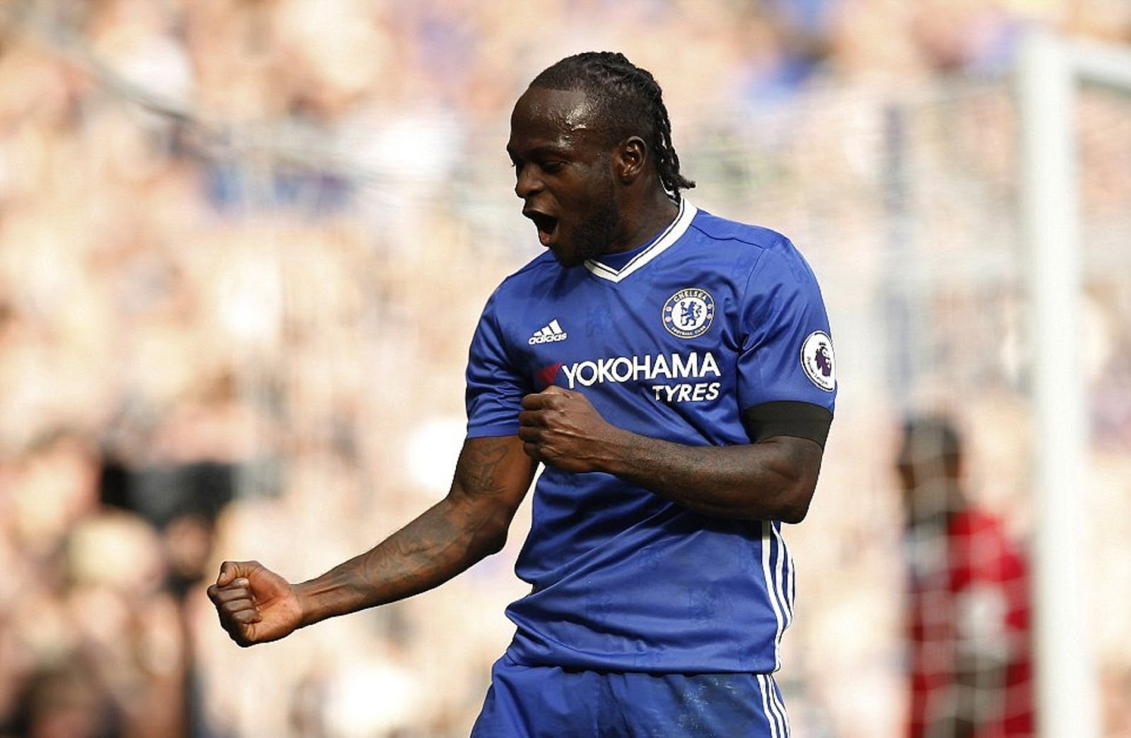 VICTOR MOSES 4