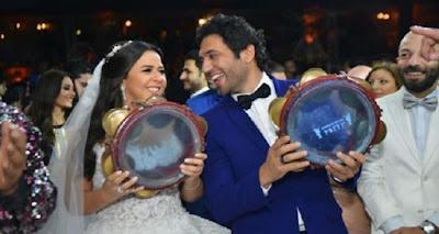 الصورة التي لم تروها لدنيا سمير غانم وأحرجتها جداً في حفل زفاف حسن الردّاد وشقيقتها ايمي