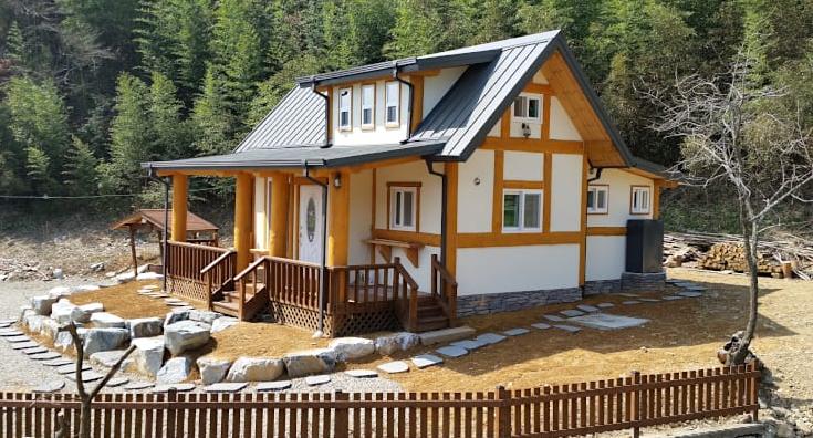 Rumah Kayu Minimalis Gaya Korea & Inspirasi Desain Paling Mengagumkan Rumah Kayu Minimalis Gaya Korea