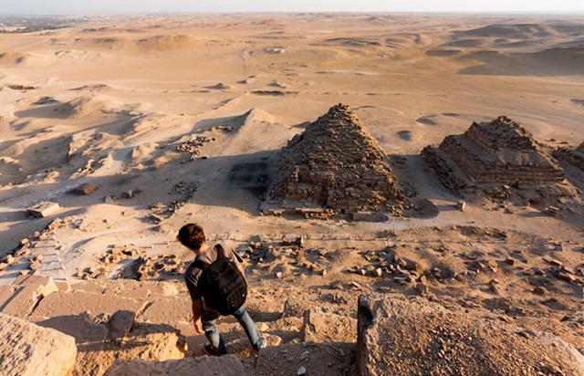 foto-yang-diambil-dari-puncak-piramid-secara-rahsia-4
