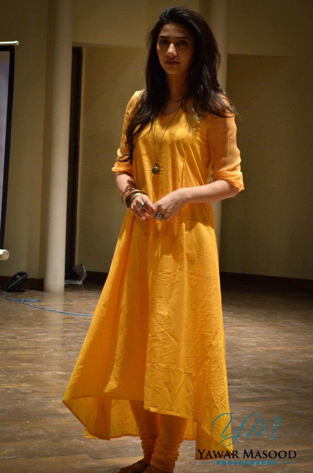 Pakistani Television Captures And Hot Models: Mahira Khan