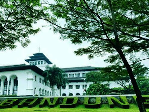 Pembenahan Gedung Sate Bandung