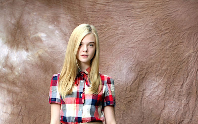 Beautiful American Hollywood Actress Elle Fanning hd wallpapers