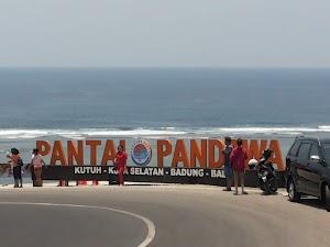 Menikmati Pesona Pantai Pandawa Bali