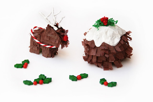 http://www.ablackbirdsepiphany.co.uk/2016/11/miniature-christmas-pinatas-diy.html
