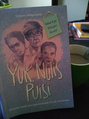 Cover Buku Yuk, Nulis Puisi
