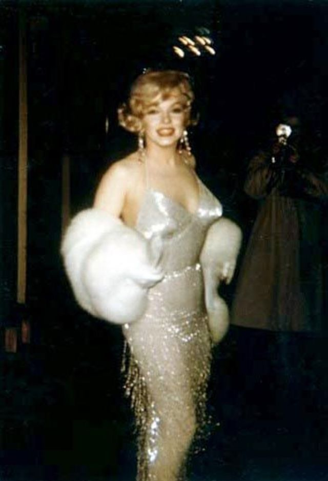 "Contact Capital One >> Candid Photos of Marilyn Monroe at the Premiere of ""Some ..."