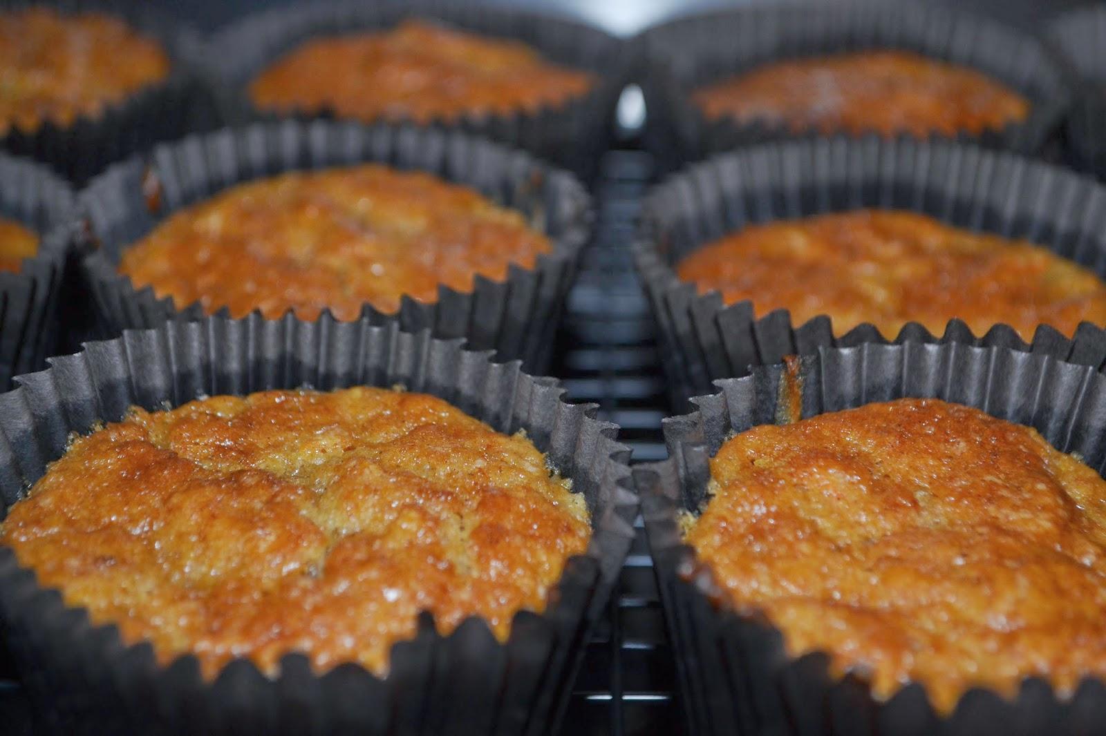 vegan carrot and zucchini muffins