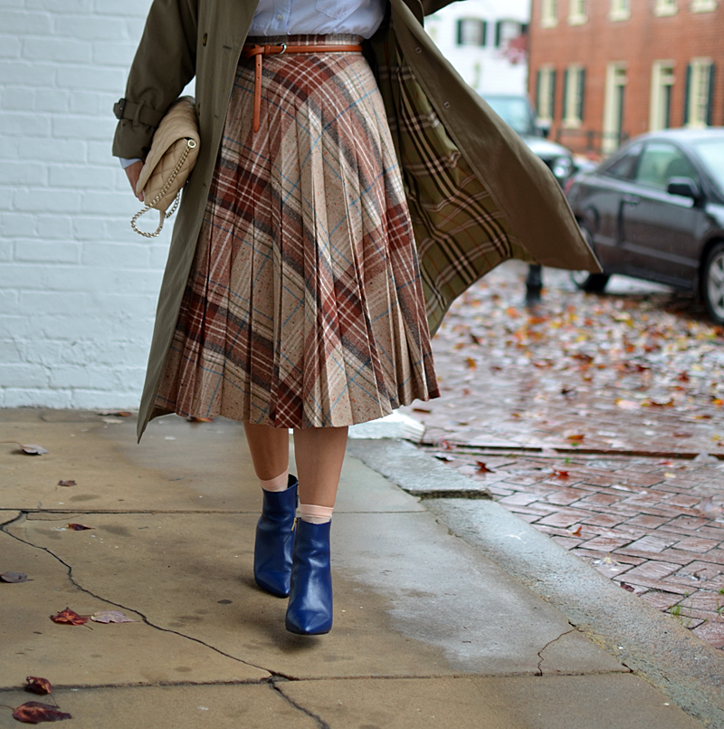 Plaid skirt outfit street style