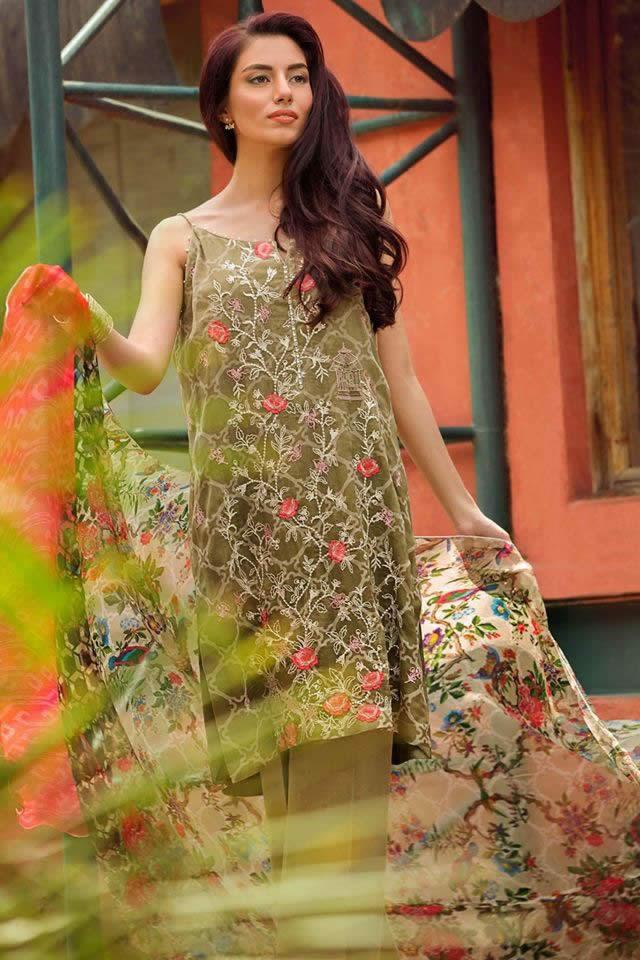 Pakistan Fashion Pakistani Dresses Pakistani Fashion Shows, Pakistani Fashion Events, Women Dresses Women's Fashion Women's Trends, Fashion New Fashion Dresses Collection Summer Dresses Collection Mid Summer Dresses Collection kamal Chiffon Pakistani Fashion Dresses Collection 2016