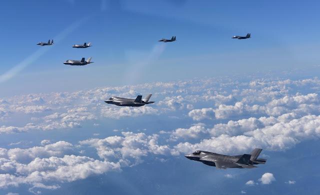 Os Estados Unidos e Coreia do Sul realizaram exercícios militares nesta quinta-feira (31), em uma clara advertência à Coreia do Norte.