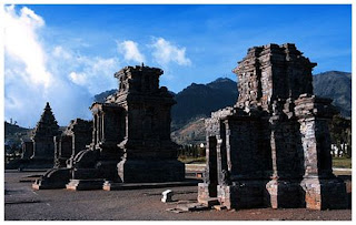 Candi Dieng. di Dataran Tinggi Dieng, Jawa Tengah.