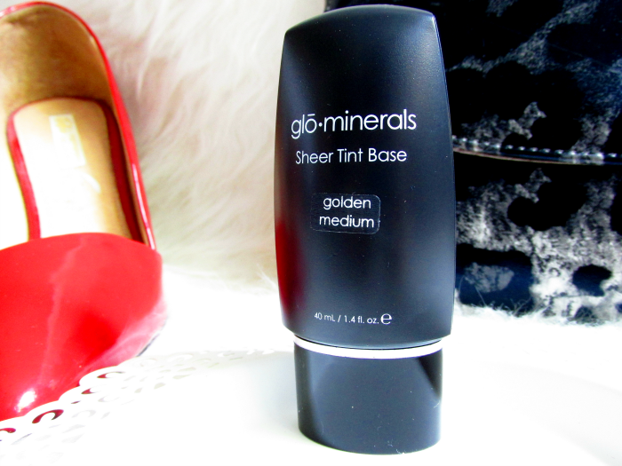 glominerals Sheer Tint Base - golden medium - 40ml - 50.50 Euro