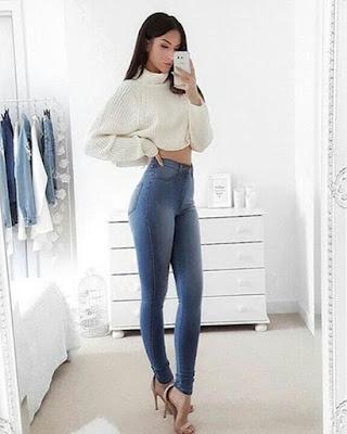 pose tumblr en el espejo outfit casual con jeans de mezclilla