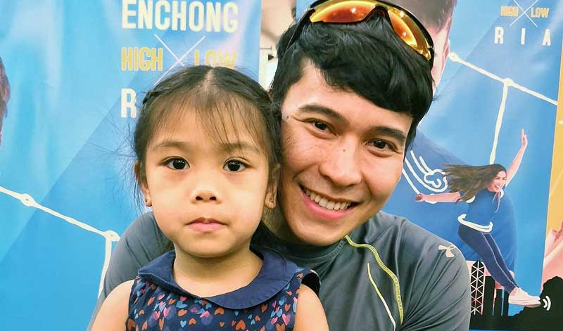 Experience a Different Hong Kong w/ Enchong Dee
