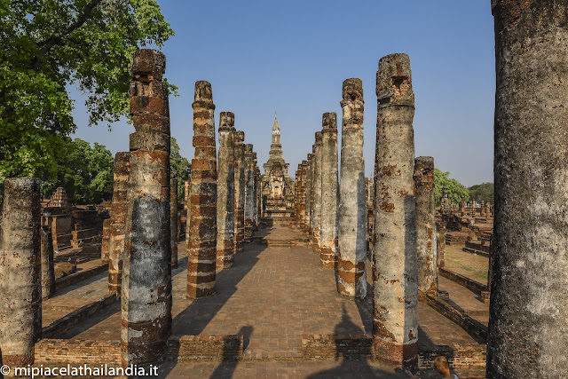 Wat Mahathat, Sukhothai - Main Viharn