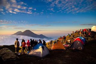Jalur Pendakian Gunung di Jawa Tengah Untuk Pemula