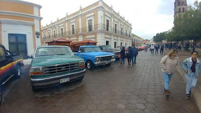 Se lleva a cabo el XIX encuentro de autos antiguos y clásicos en Álamos