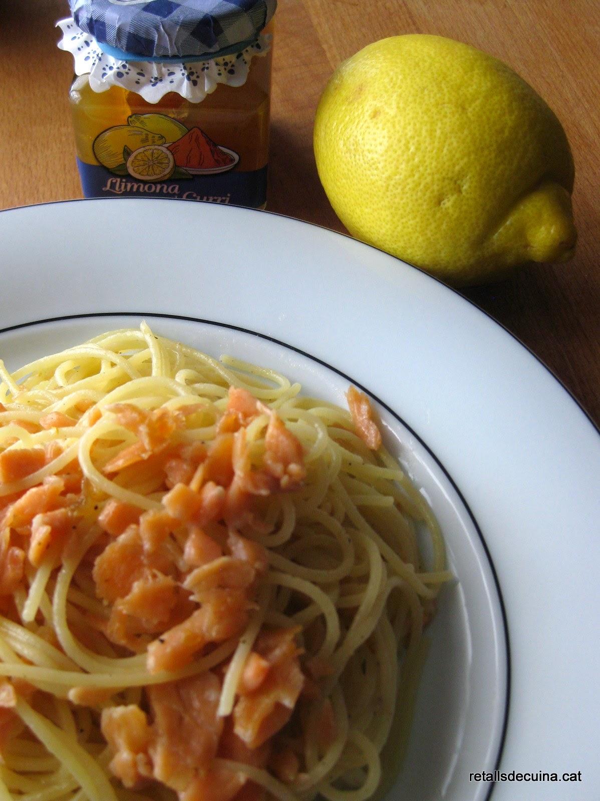 Spaguetti amb salmó i melmelada de llimona al curry de La Fageda