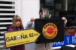 Concentración antinuclear ante Iberdrola en Barakaldo
