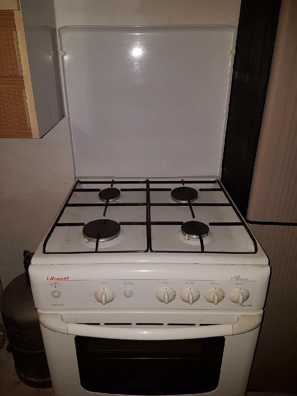 dressing grenier cuisini re gaz 1 bonbonne. Black Bedroom Furniture Sets. Home Design Ideas