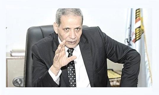 """وزير التعليم يعنف قيادات بالوزارة لتورطهم بالتسريب """"منكم لله ورطونى وهمشى من الوزارة بسببكم"""""""