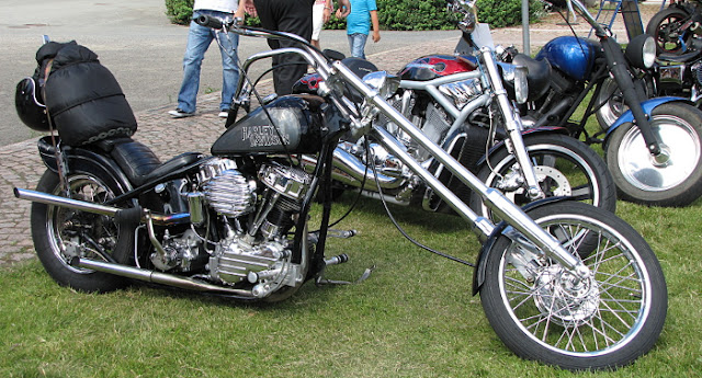 HD moottoripyöränäyttely rakennetut moottoripyörät motorbike choppers