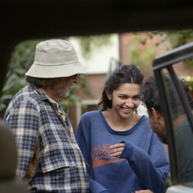 deepika padukone , and amitabh bachchan , on the sets of pi ku ,thefilm pi ku , bollywood ,, Deepika Padukone Piku Movie On Location Pics with Amitabh Bachchan