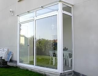 Montaje de ventanas de PVC y aluminio