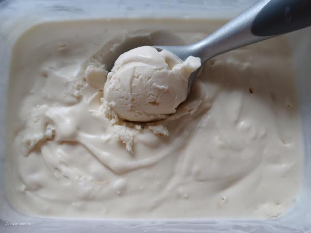 Weißes Schoko-Kokos Eis
