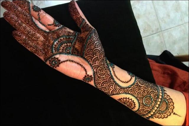 Simple Mehndi Designs Front Hands