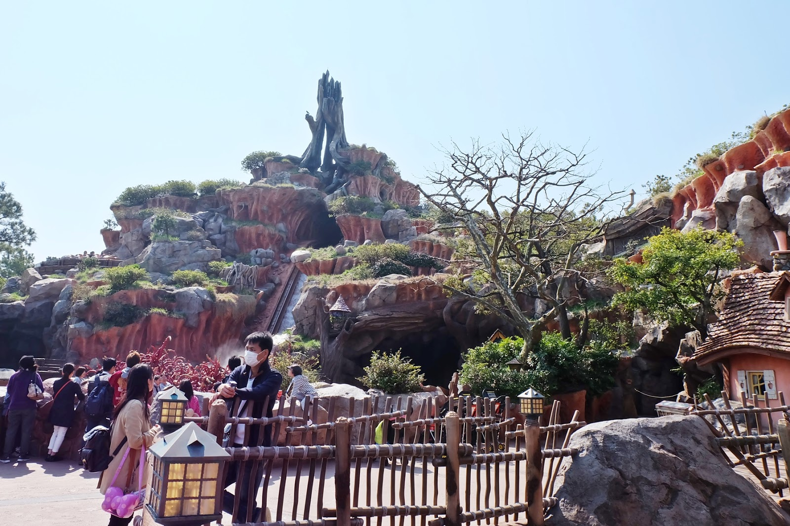 Disneysea Disneyland Single Rider Attractions | www.bigdreamerblog.com