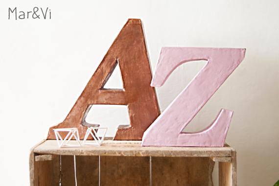 manualidad con cartón: como hacer letras decorativas