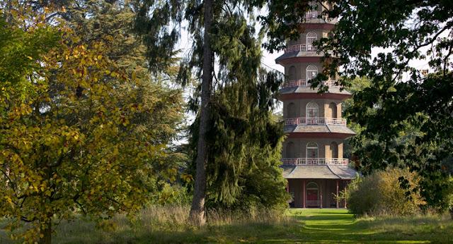 Kew Gardens in Summer Pagoda - www.All-About-London.com